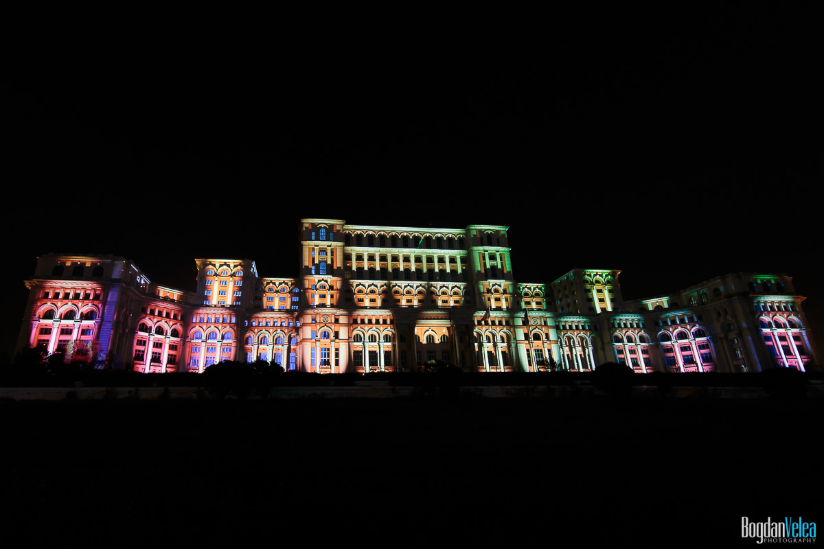 iMapp-Bucharest-2015-video-mapping-Casa-Poporului-004
