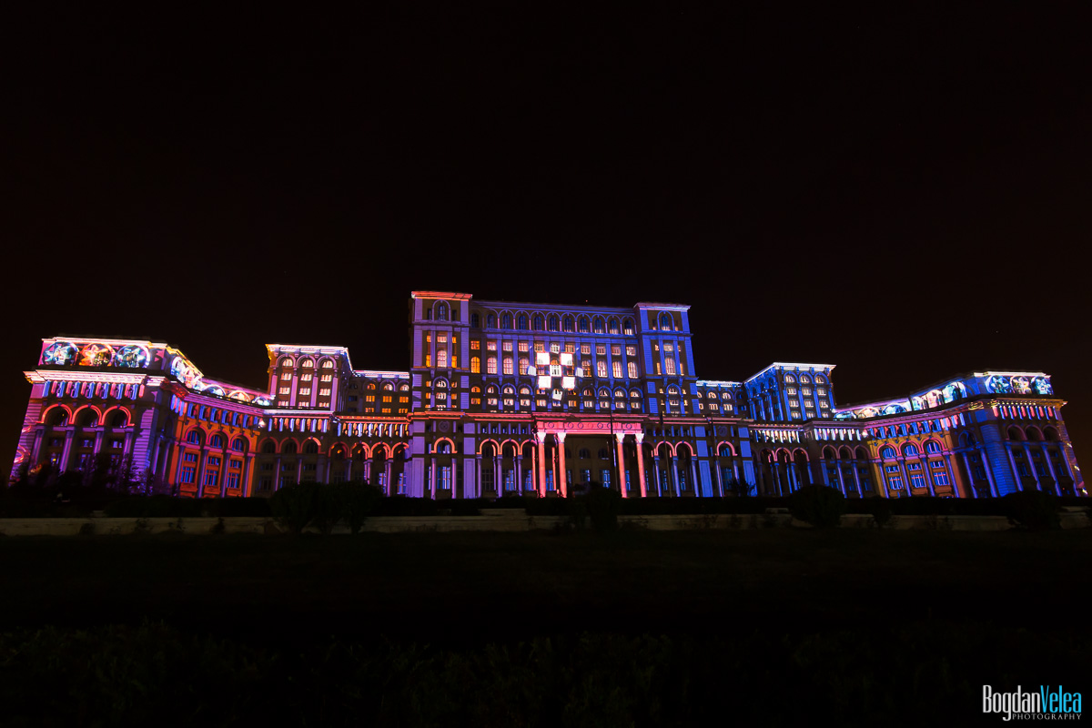 iMapp-Bucharest-2015-video-mapping-Casa-Poporului-005