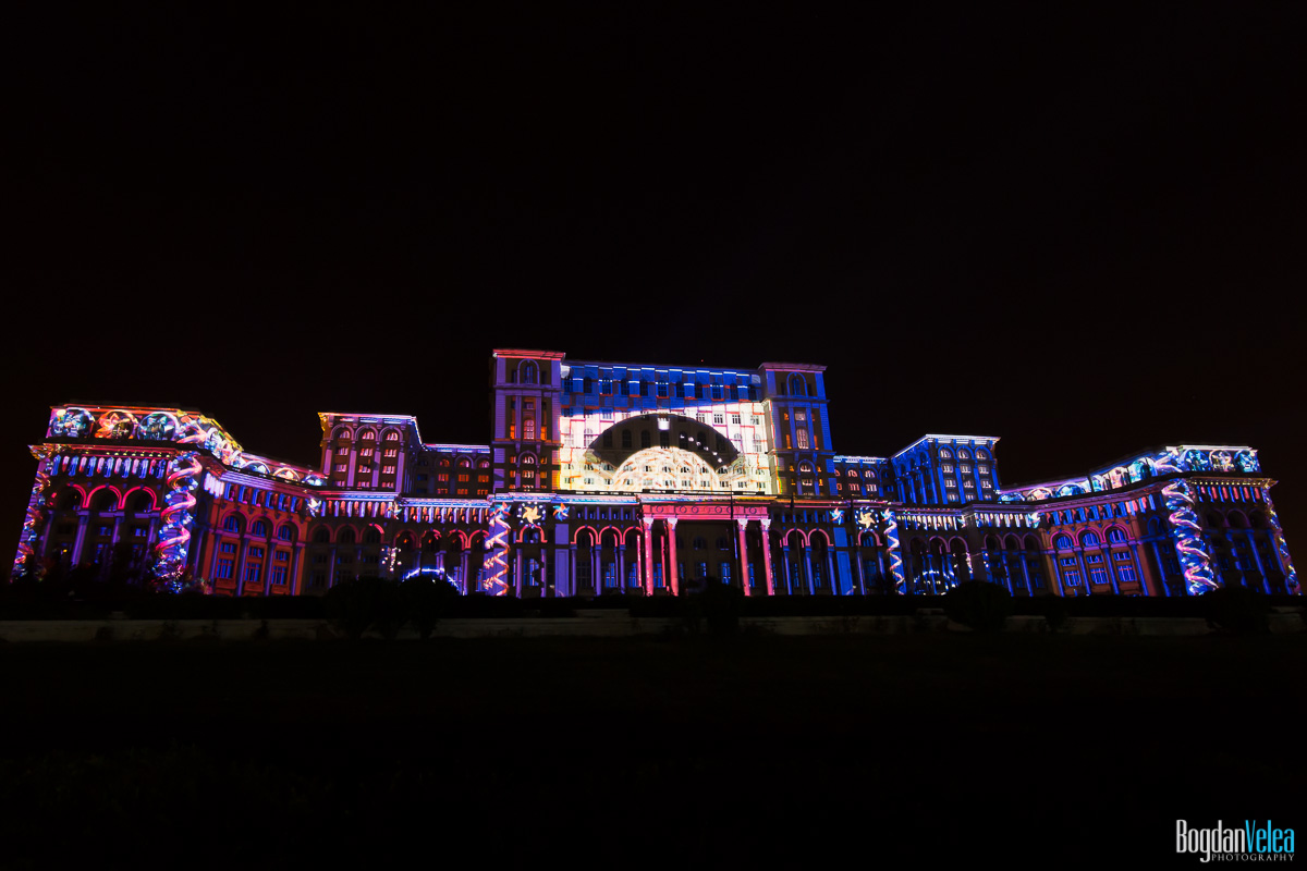 iMapp-Bucharest-2015-video-mapping-Casa-Poporului-006