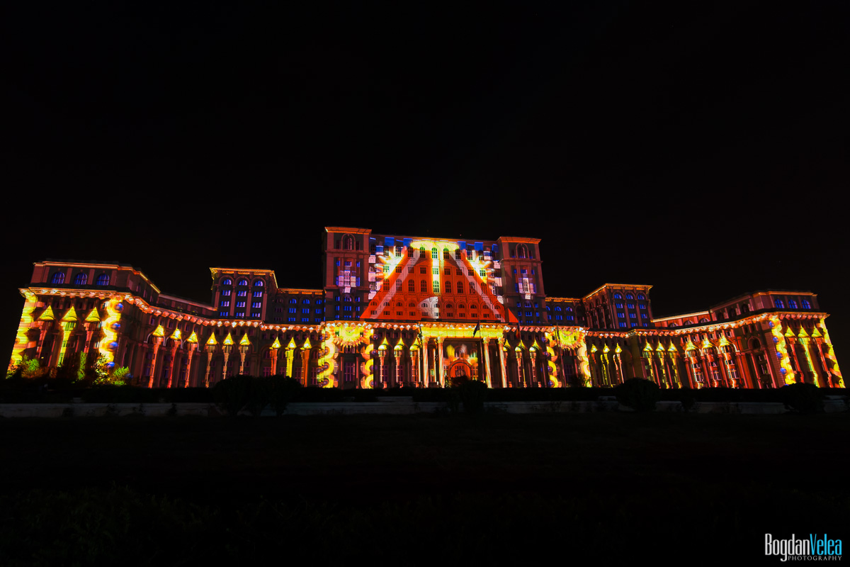 iMapp-Bucharest-2015-video-mapping-Casa-Poporului-014