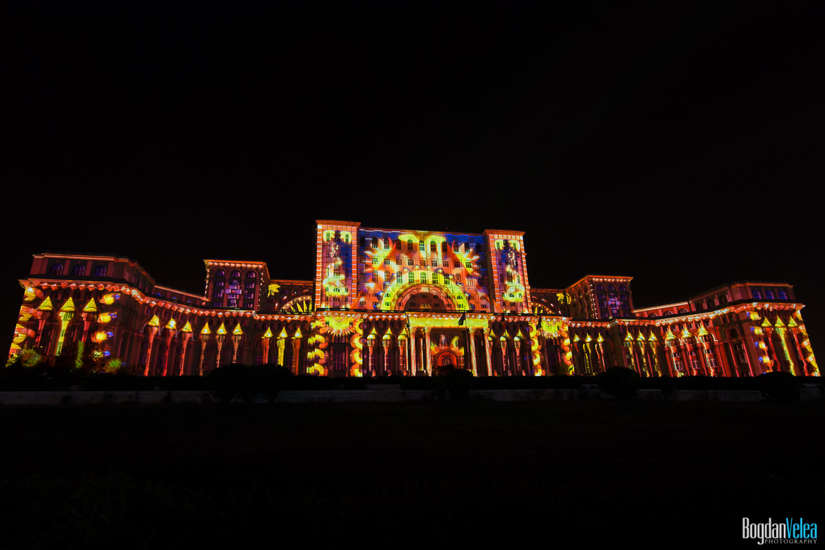 iMapp-Bucharest-2015-video-mapping-Casa-Poporului-015
