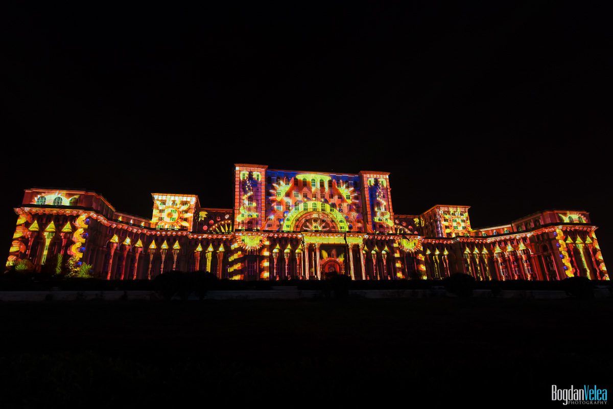 iMapp-Bucharest-2015-video-mapping-Casa-Poporului-016