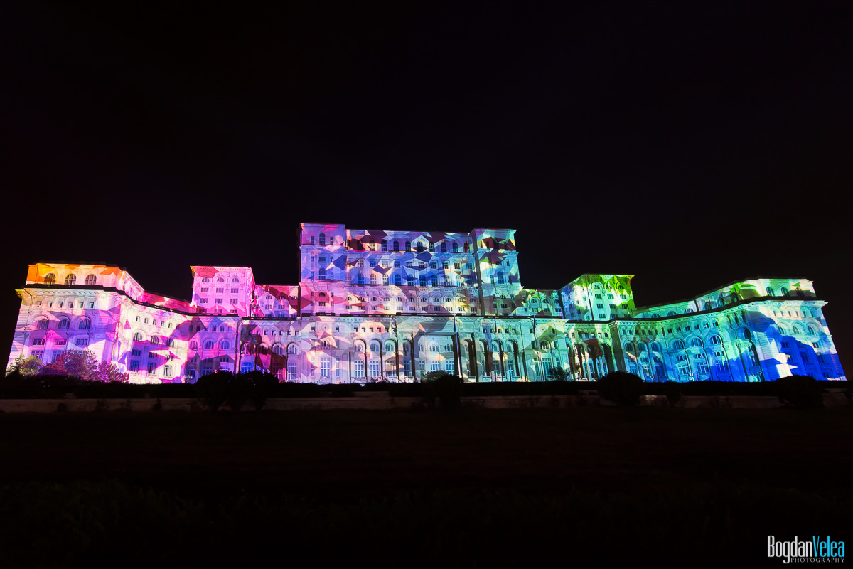 iMapp-Bucharest-2015-video-mapping-Casa-Poporului-018