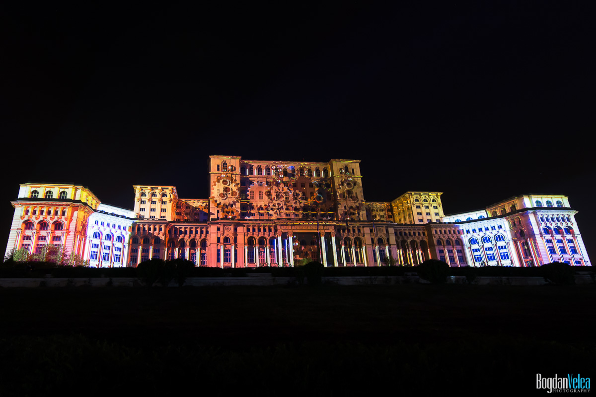 iMapp-Bucharest-2015-video-mapping-Casa-Poporului-019