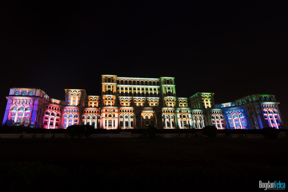iMapp-Bucharest-2015-video-mapping-Casa-Poporului-022