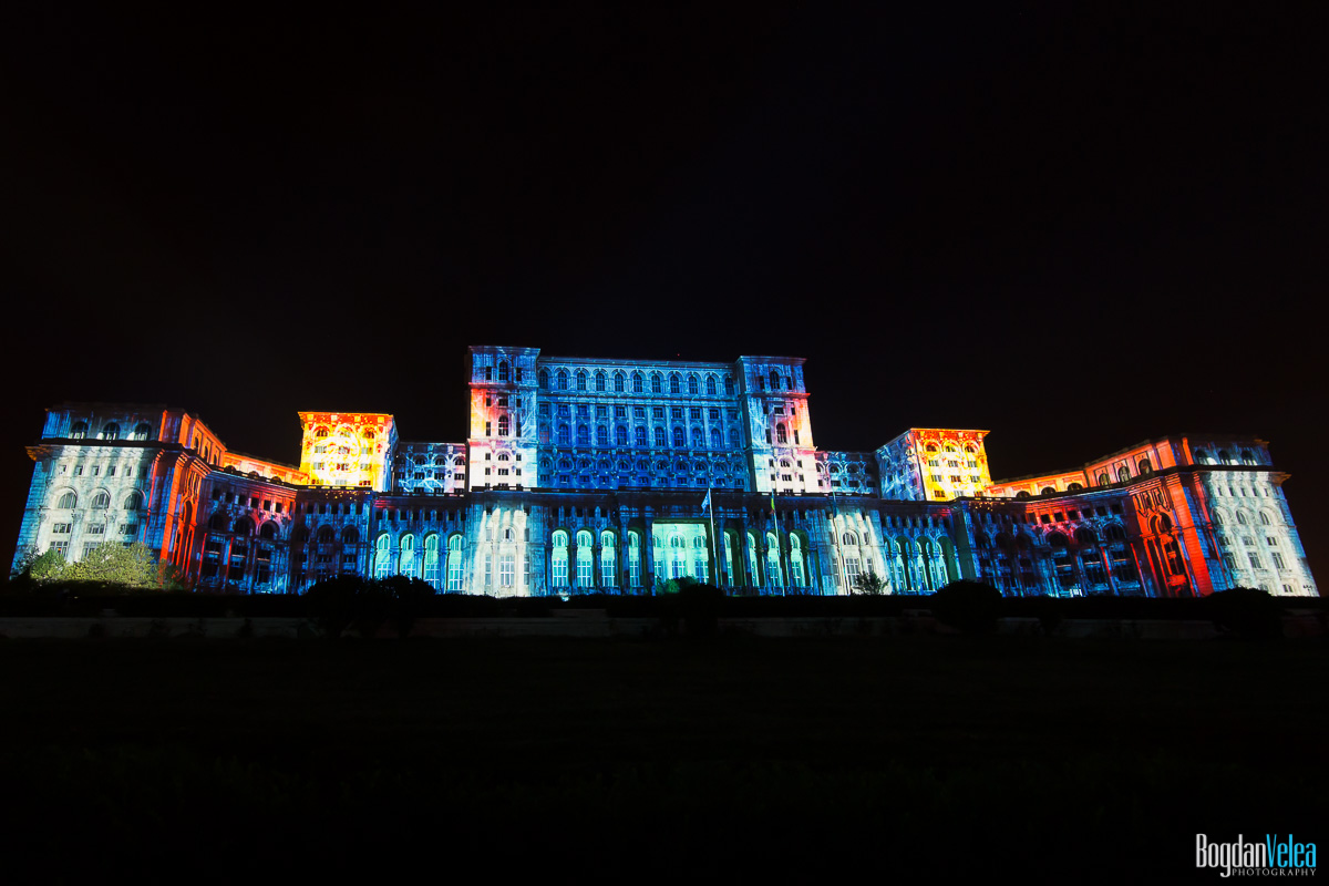 iMapp-Bucharest-2015-video-mapping-Casa-Poporului-023