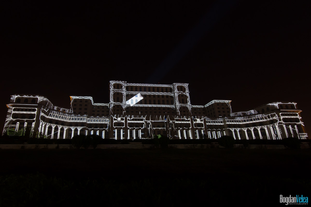 iMapp-Bucharest-2015-video-mapping-Casa-Poporului-028