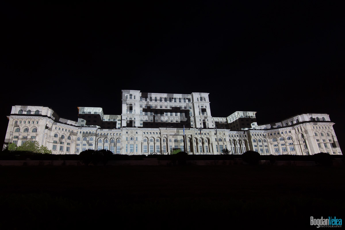 iMapp-Bucharest-2015-video-mapping-Casa-Poporului-029