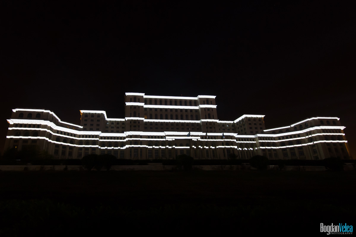 iMapp-Bucharest-2015-video-mapping-Casa-Poporului-036