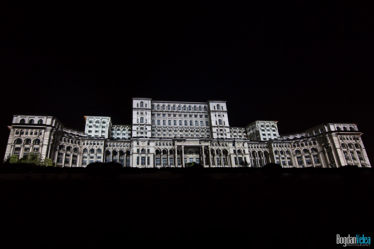 iMapp-Bucharest-2015-video-mapping-Casa-Poporului-039