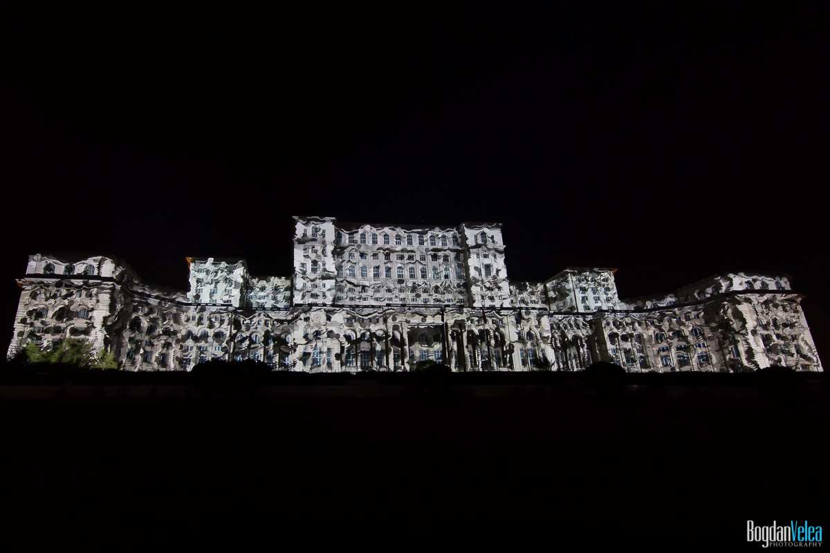 iMapp-Bucharest-2015-video-mapping-Casa-Poporului-040