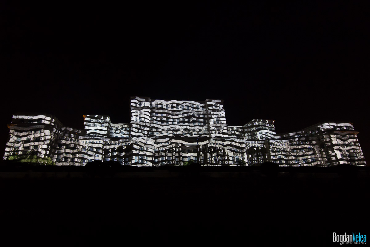 iMapp-Bucharest-2015-video-mapping-Casa-Poporului-041