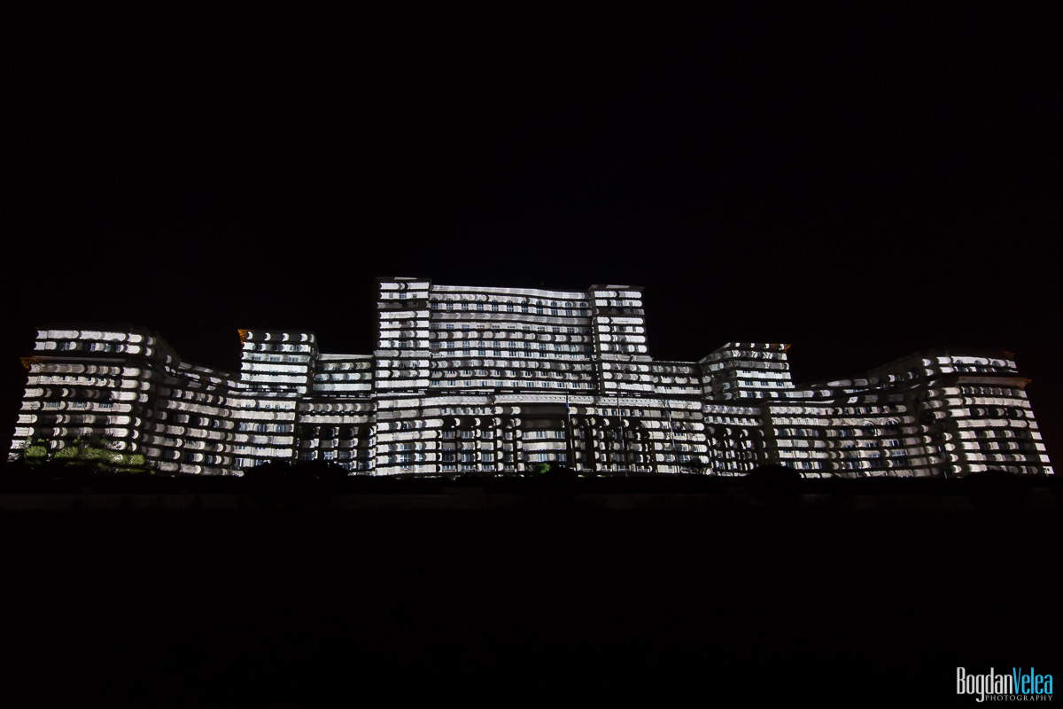 iMapp-Bucharest-2015-video-mapping-Casa-Poporului-042