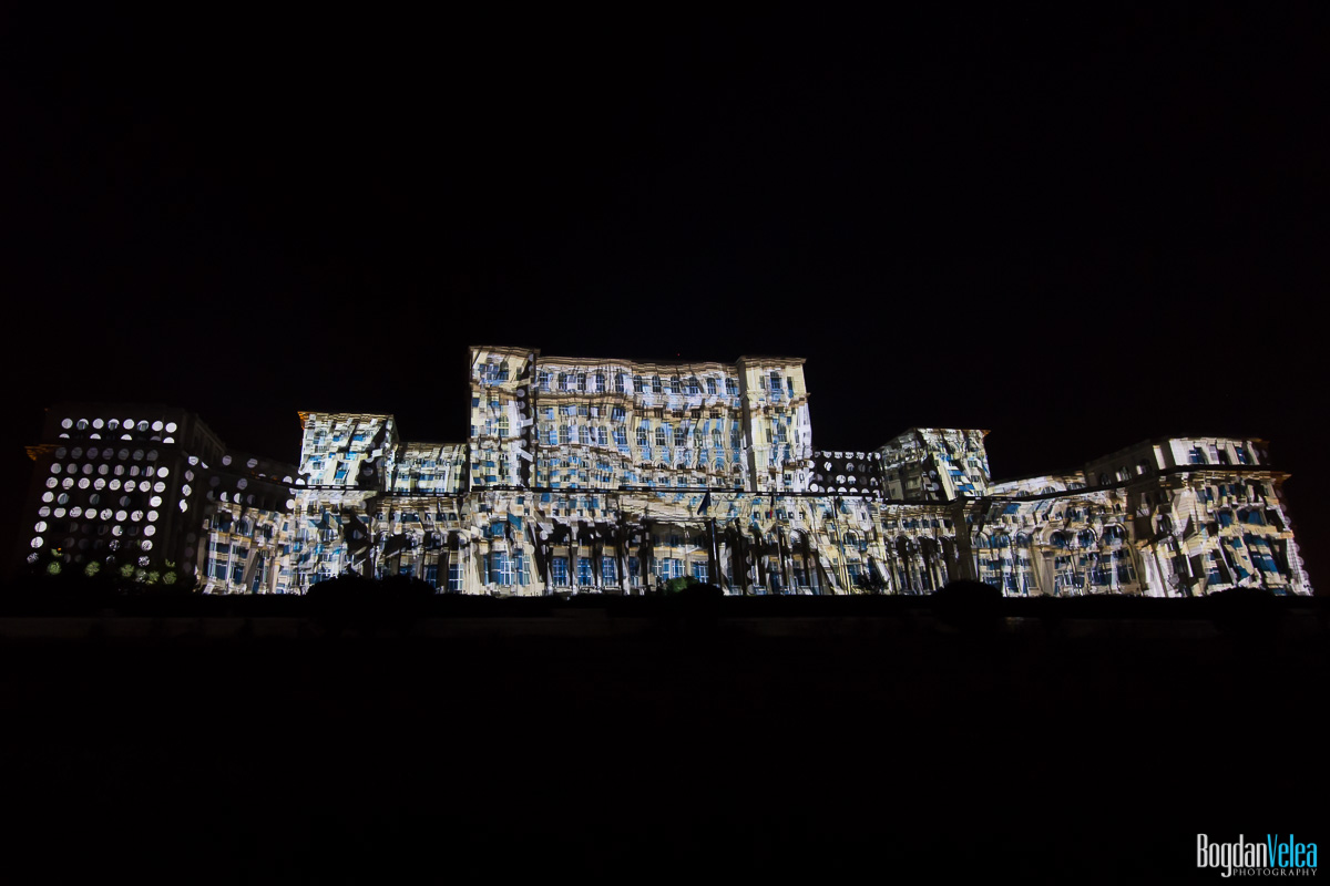 iMapp-Bucharest-2015-video-mapping-Casa-Poporului-043