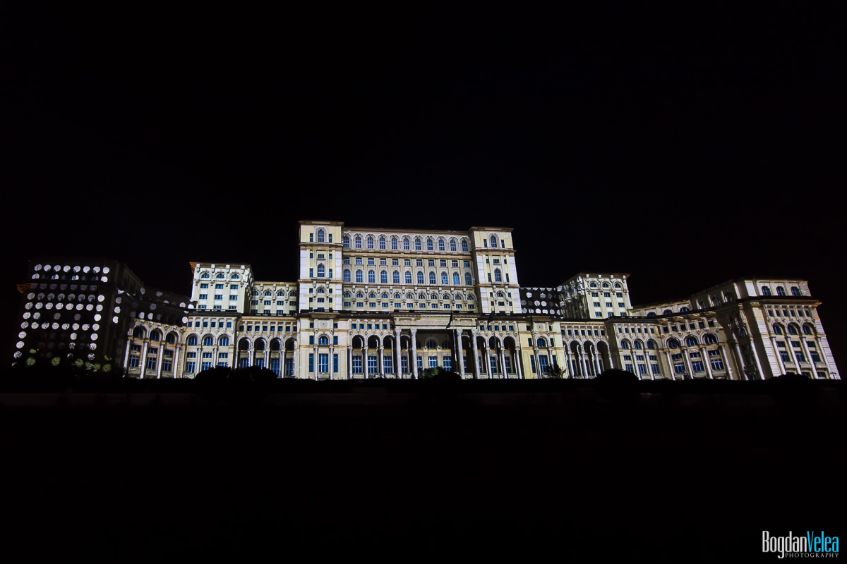 iMapp-Bucharest-2015-video-mapping-Casa-Poporului-044