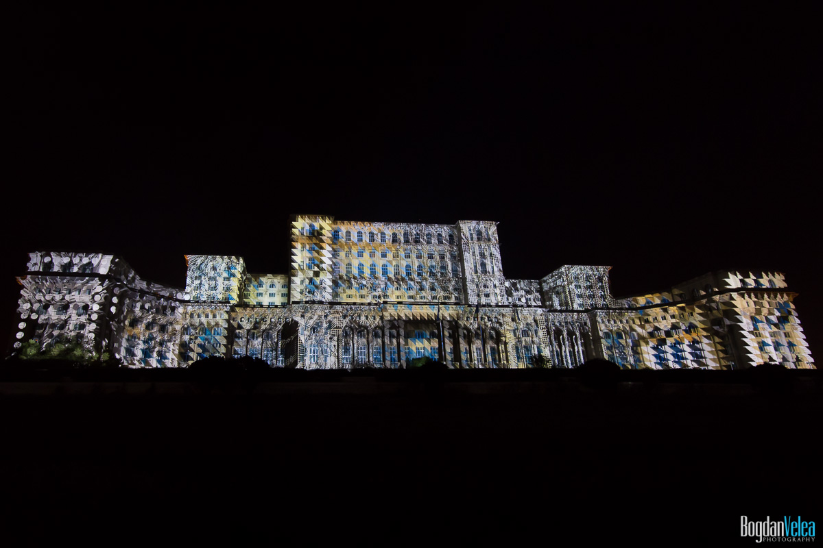 iMapp-Bucharest-2015-video-mapping-Casa-Poporului-045