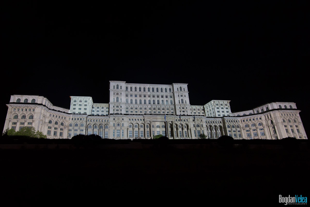 iMapp-Bucharest-2015-video-mapping-Casa-Poporului-046
