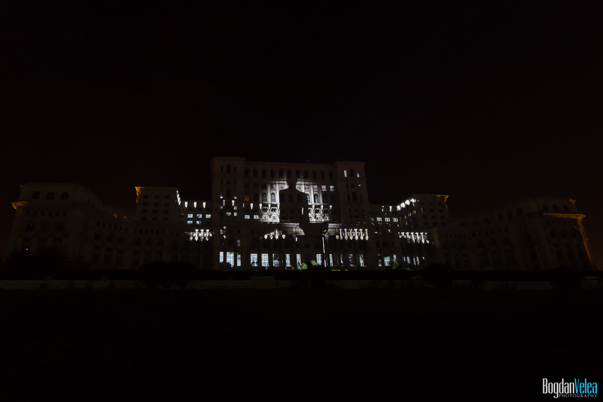 iMapp-Bucharest-2015-video-mapping-Casa-Poporului-049