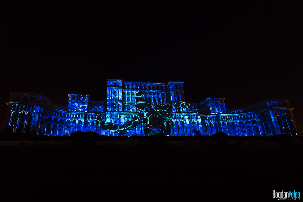 iMapp-Bucharest-2015-video-mapping-Casa-Poporului-056