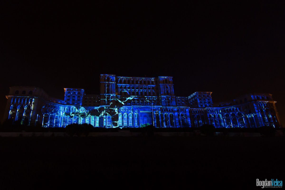 iMapp-Bucharest-2015-video-mapping-Casa-Poporului-057