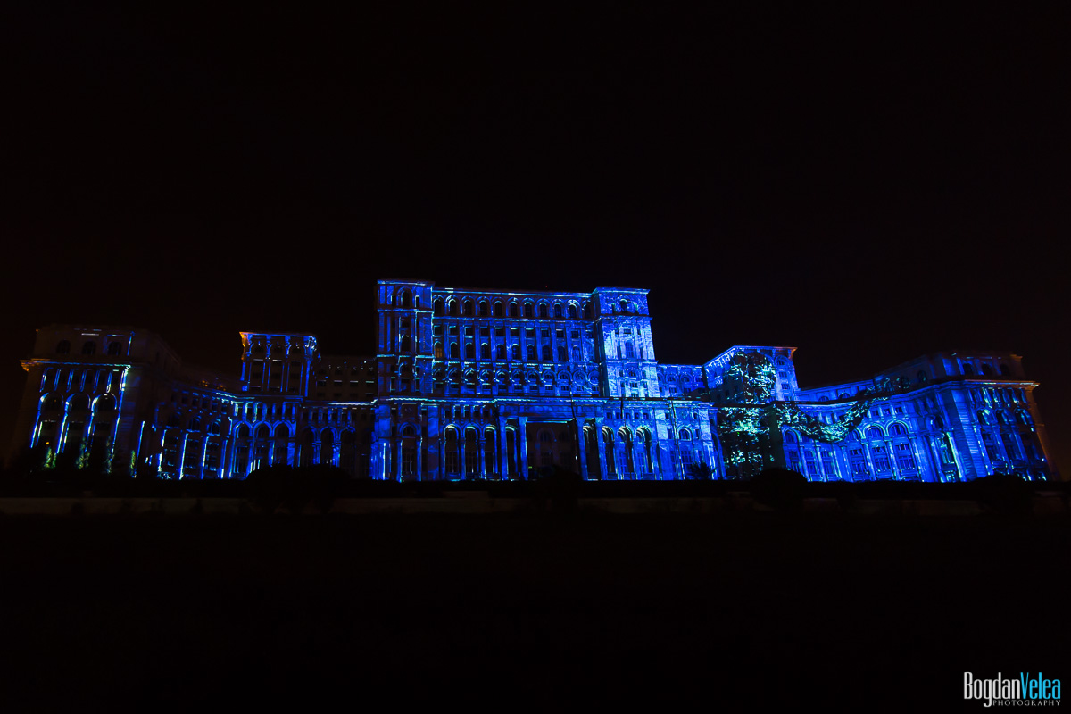 iMapp-Bucharest-2015-video-mapping-Casa-Poporului-058