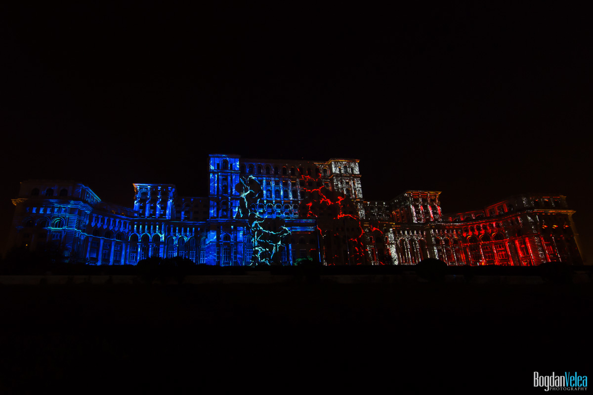 iMapp-Bucharest-2015-video-mapping-Casa-Poporului-065