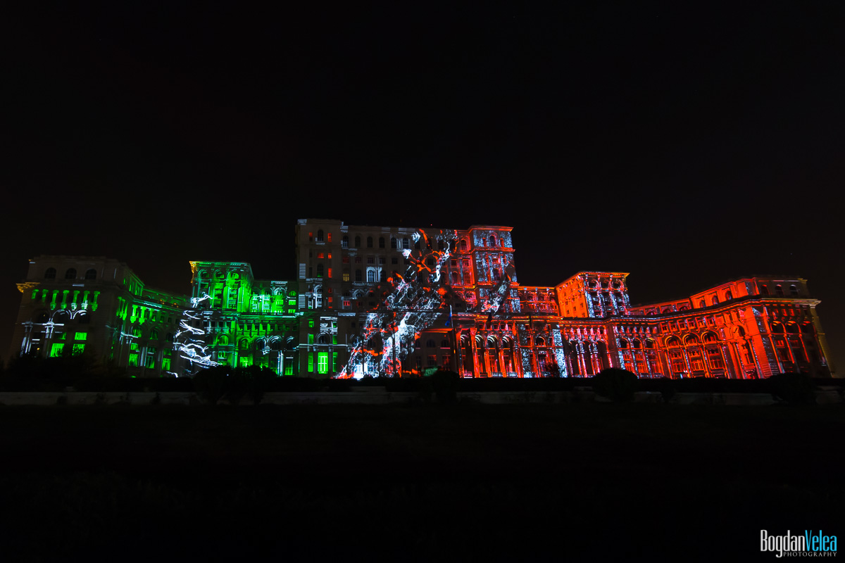 iMapp-Bucharest-2015-video-mapping-Casa-Poporului-066