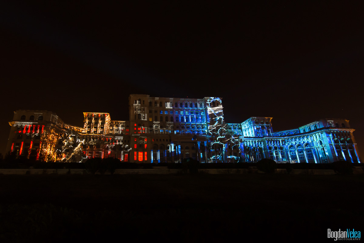 iMapp-Bucharest-2015-video-mapping-Casa-Poporului-067