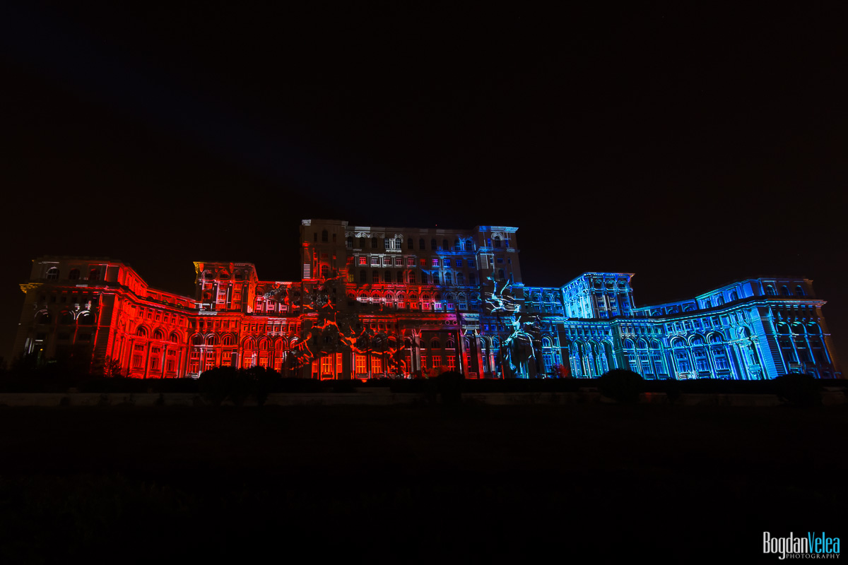 iMapp-Bucharest-2015-video-mapping-Casa-Poporului-069