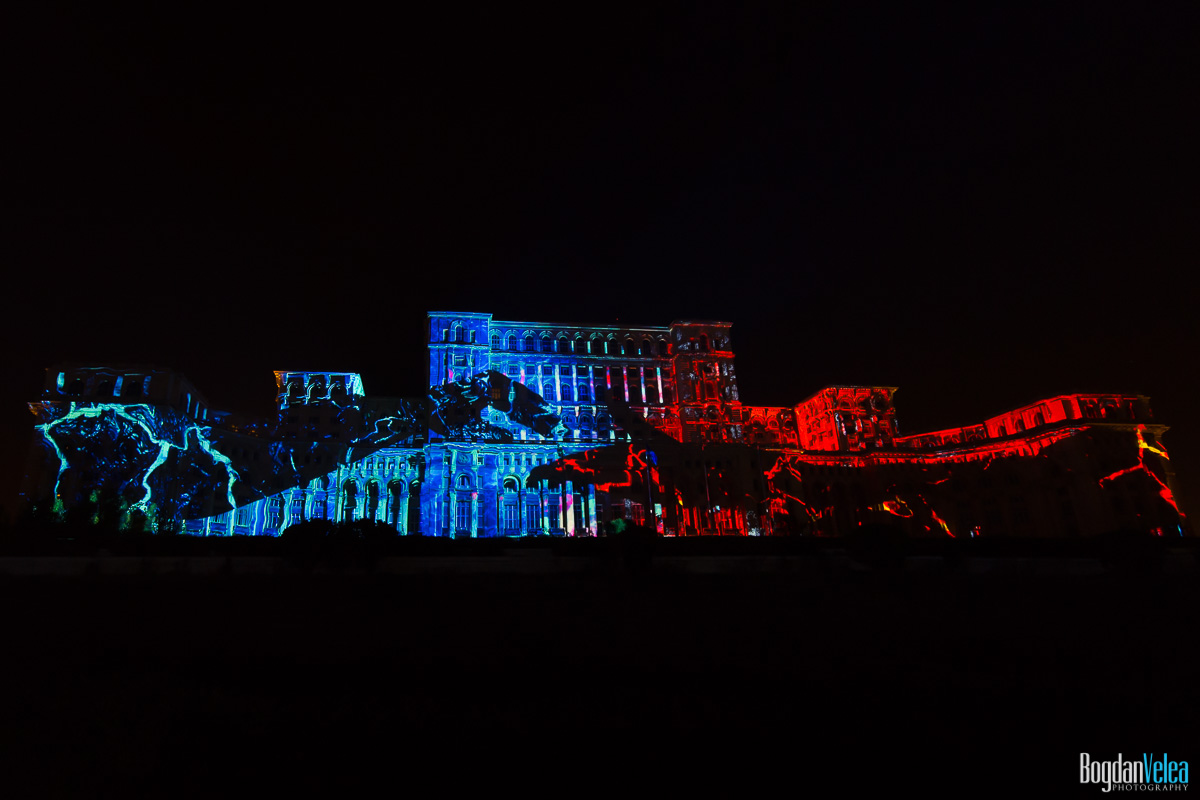 iMapp-Bucharest-2015-video-mapping-Casa-Poporului-073