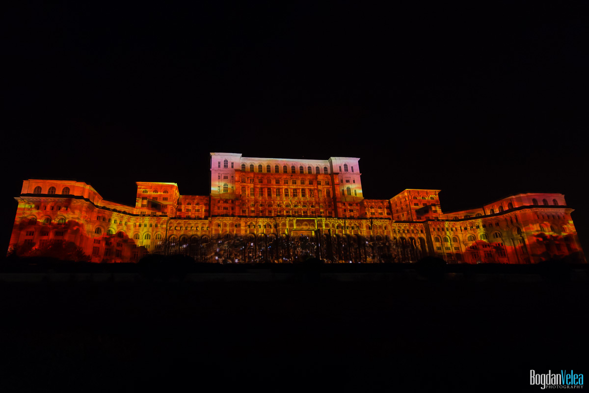 iMapp-Bucharest-2015-video-mapping-Casa-Poporului-085