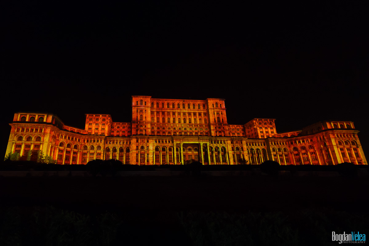 iMapp-Bucharest-2015-video-mapping-Casa-Poporului-086