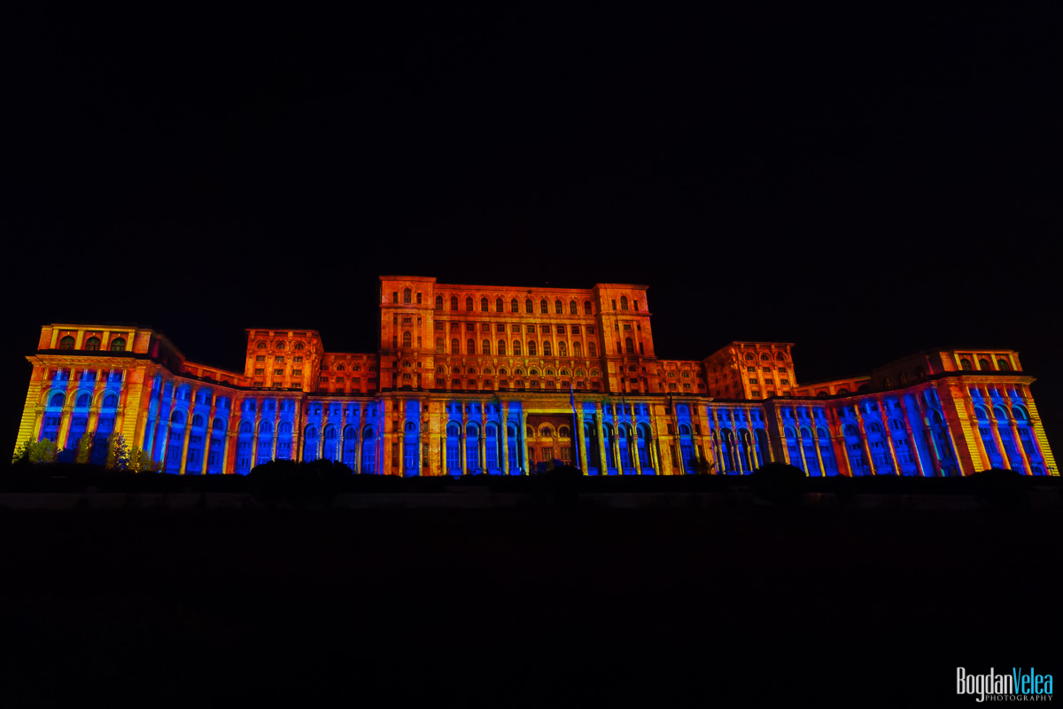 iMapp-Bucharest-2015-video-mapping-Casa-Poporului-087