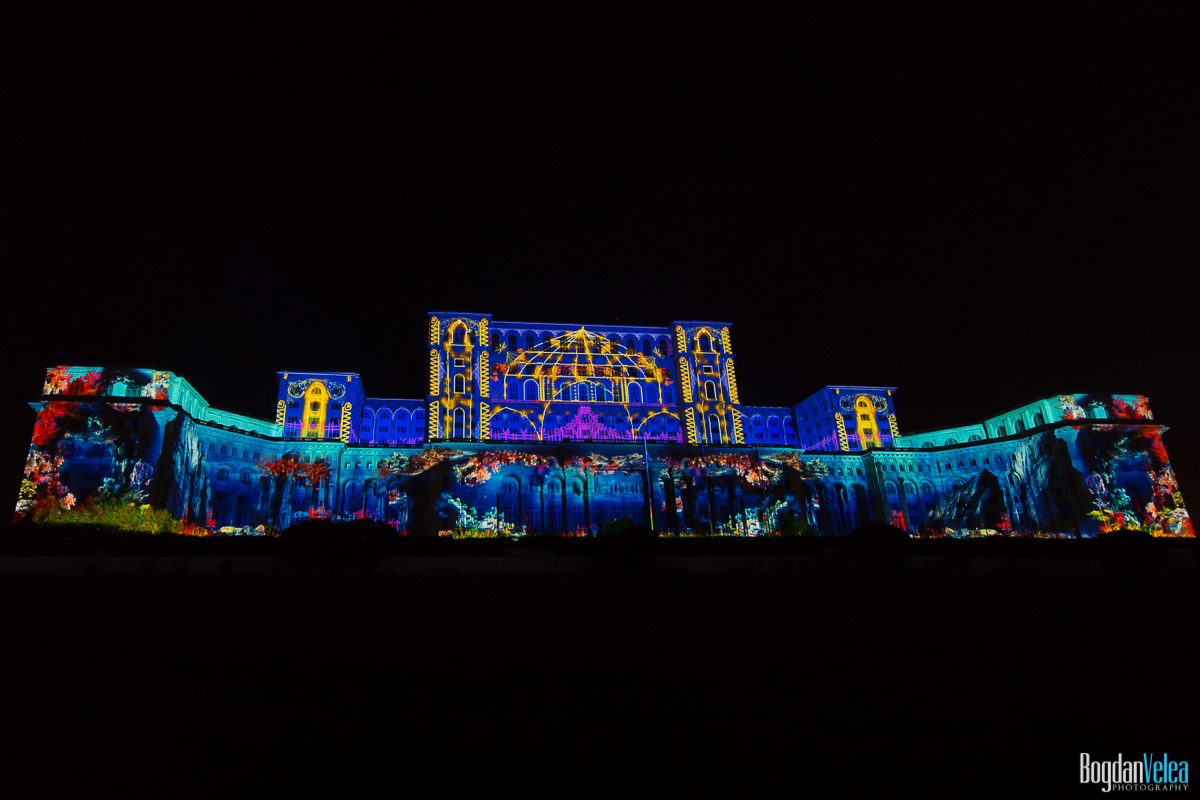 iMapp-Bucharest-2015-video-mapping-Casa-Poporului-092