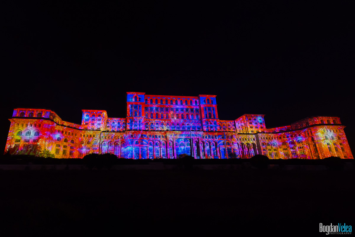 iMapp-Bucharest-2015-video-mapping-Casa-Poporului-103