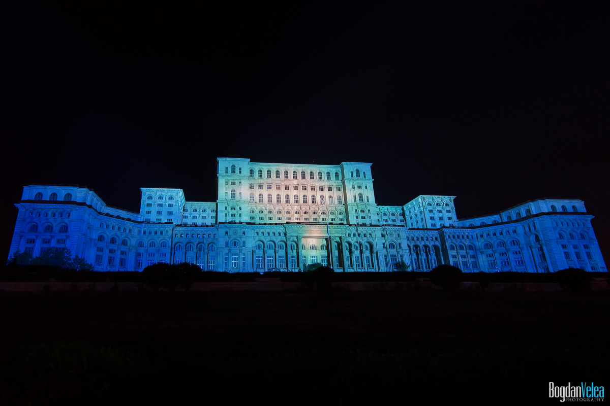 iMapp-Bucharest-2015-video-mapping-Casa-Poporului-113