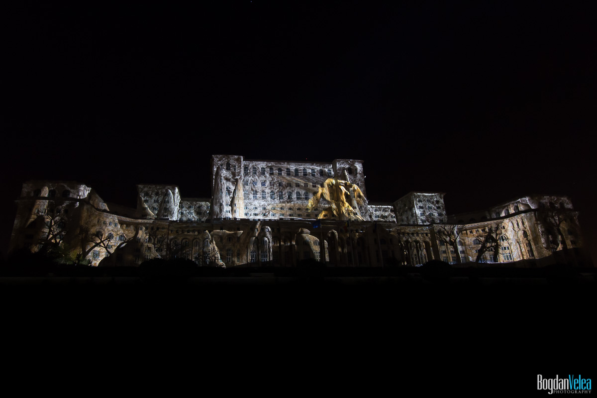 iMapp-Bucharest-2015-video-mapping-Casa-Poporului-118