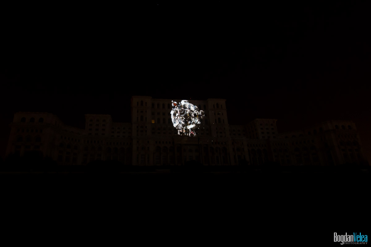 iMapp-Bucharest-2015-video-mapping-Casa-Poporului-140