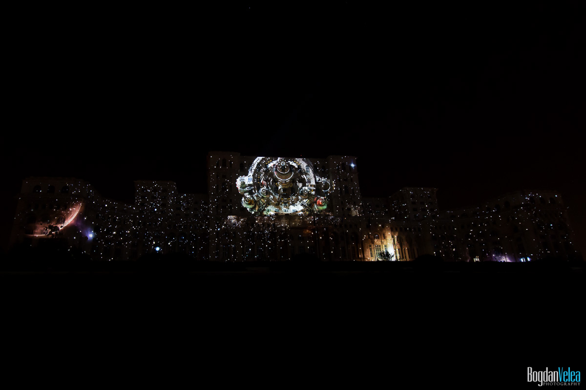 iMapp-Bucharest-2015-video-mapping-Casa-Poporului-142