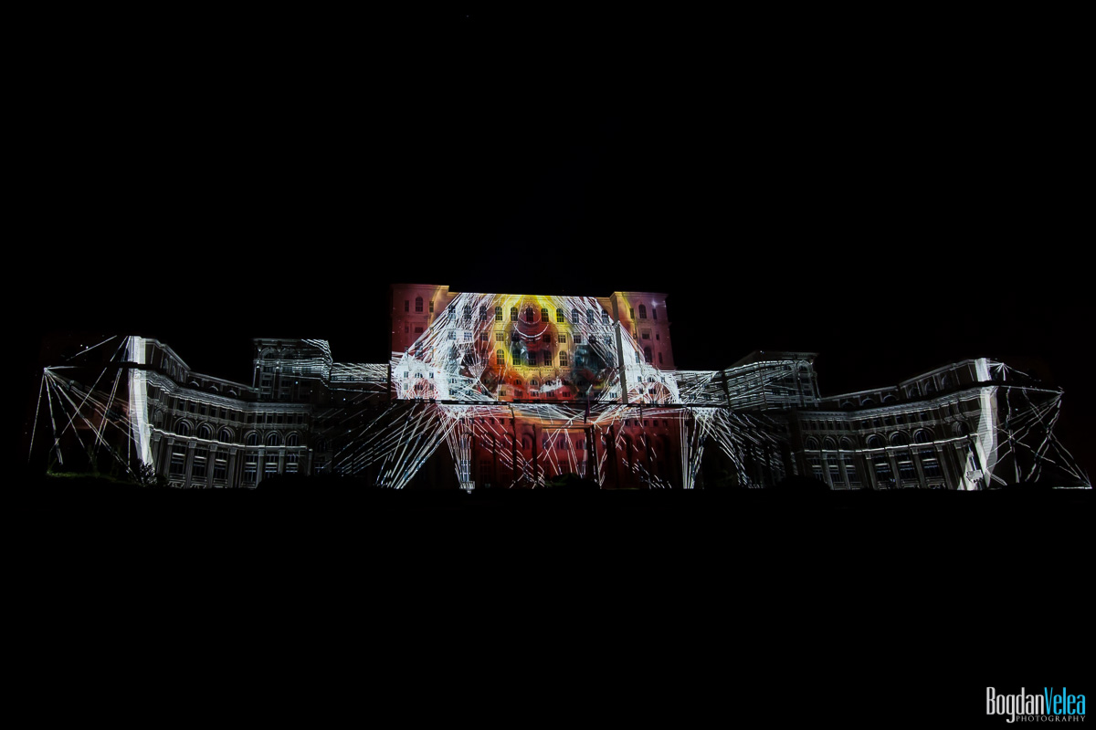 iMapp-Bucharest-2015-video-mapping-Casa-Poporului-145