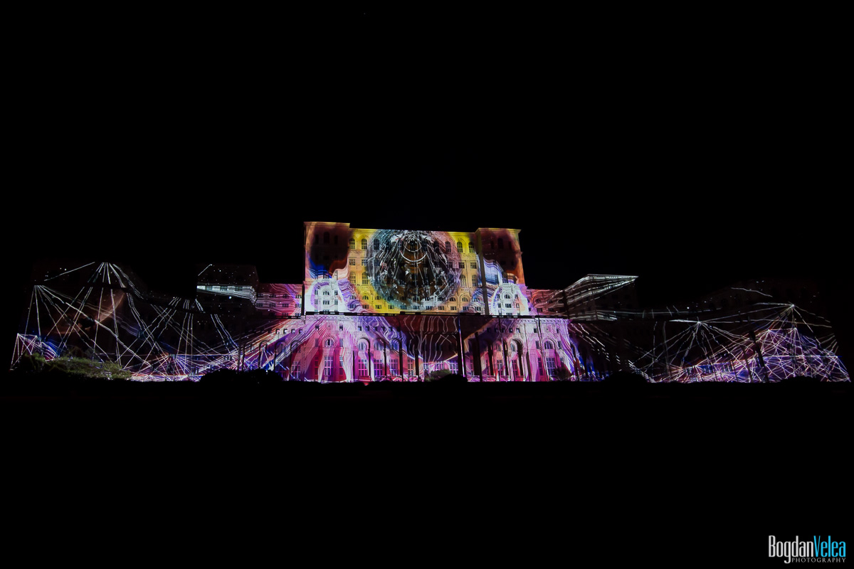 iMapp-Bucharest-2015-video-mapping-Casa-Poporului-146