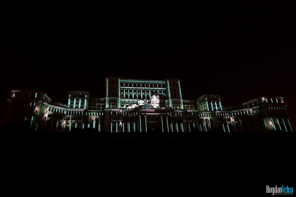 iMapp-Bucharest-2015-video-mapping-Casa-Poporului-157
