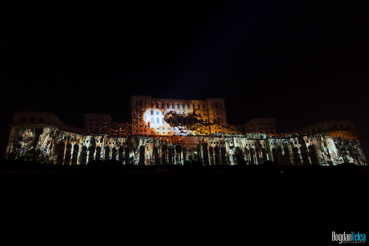 iMapp-Bucharest-2015-video-mapping-Casa-Poporului-180