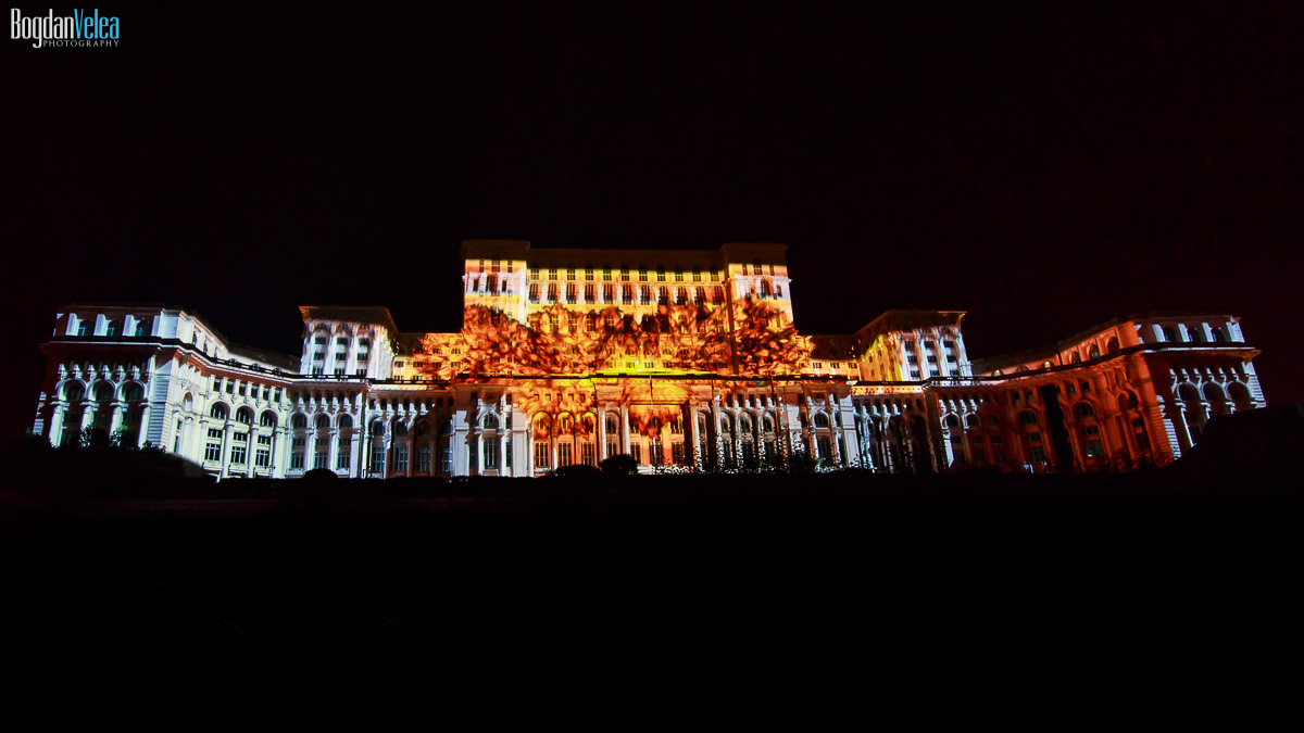imapp-bucharest-2016-video-mapping-palatul-parlamentului-003