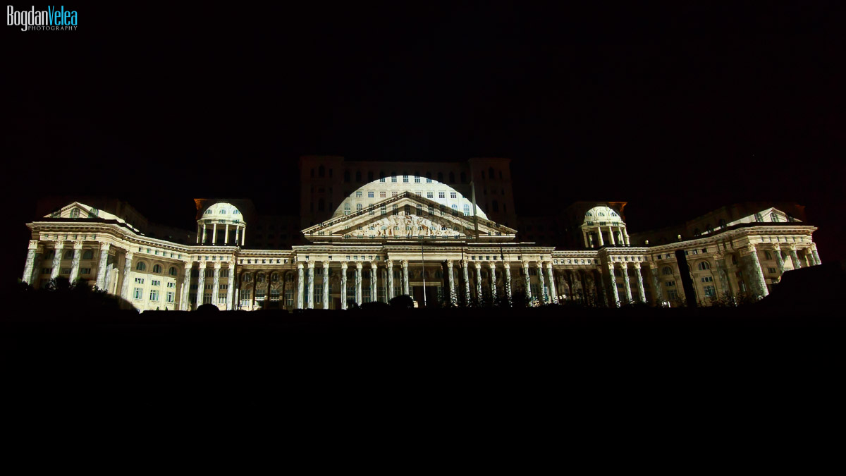imapp-bucharest-2016-video-mapping-palatul-parlamentului-010