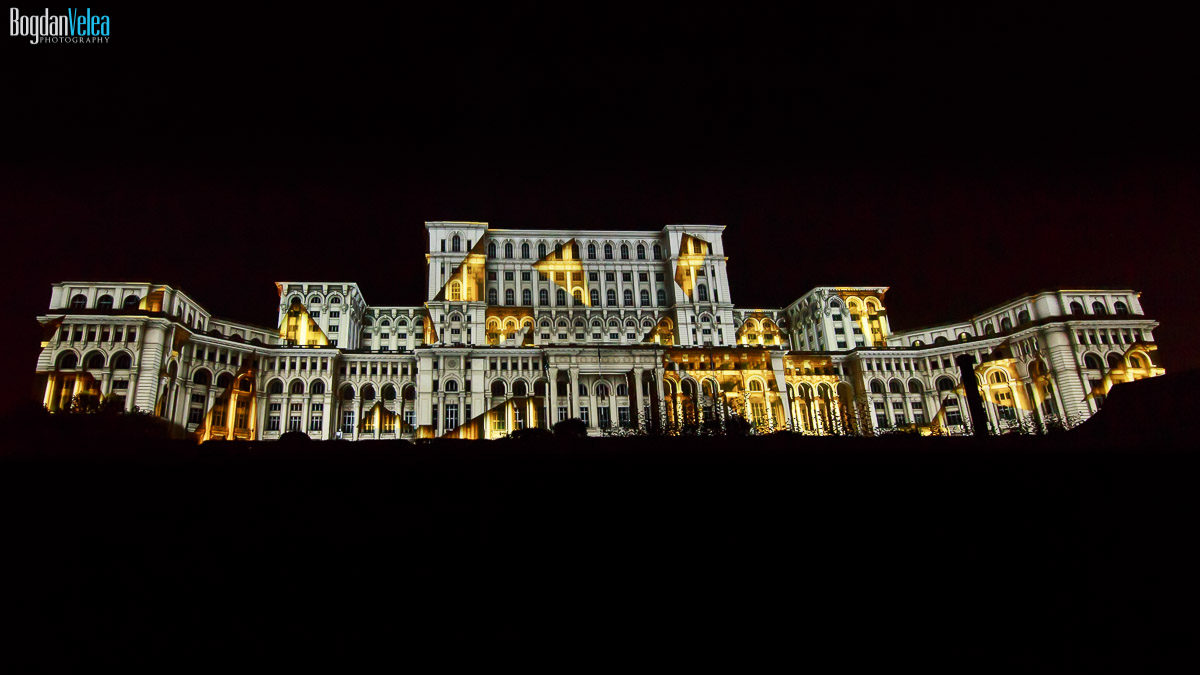 imapp-bucharest-2016-video-mapping-palatul-parlamentului-057