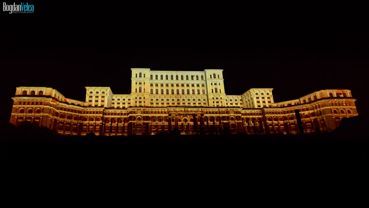 imapp-bucharest-2016-video-mapping-palatul-parlamentului-064