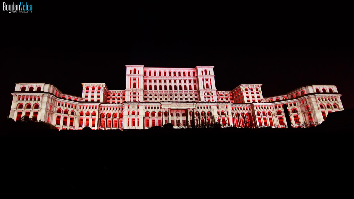 imapp-bucharest-2016-video-mapping-palatul-parlamentului-089