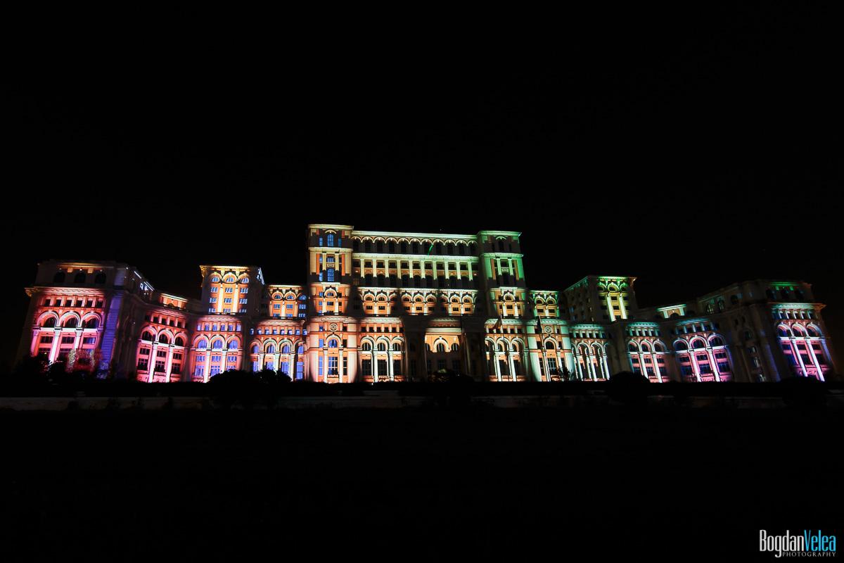 iMapp-Bucharest-2015-video-mapping-Casa-Poporului-004