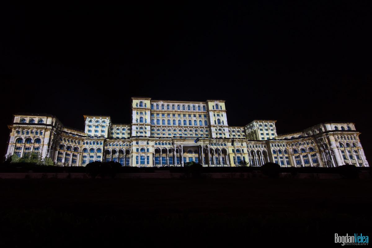 iMapp-Bucharest-2015-video-mapping-Casa-Poporului-027